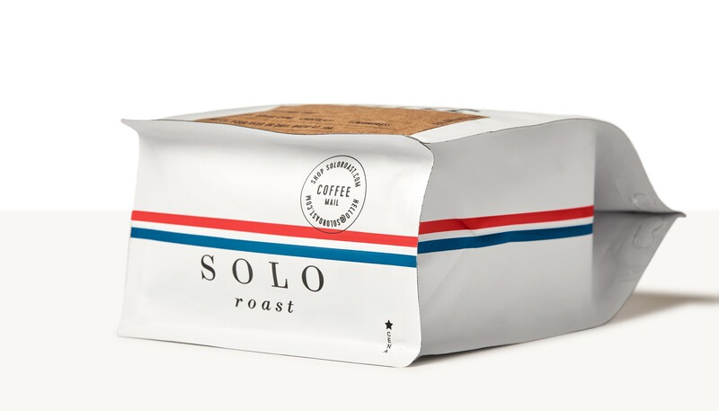 Solo roast coffee branding packaging design8