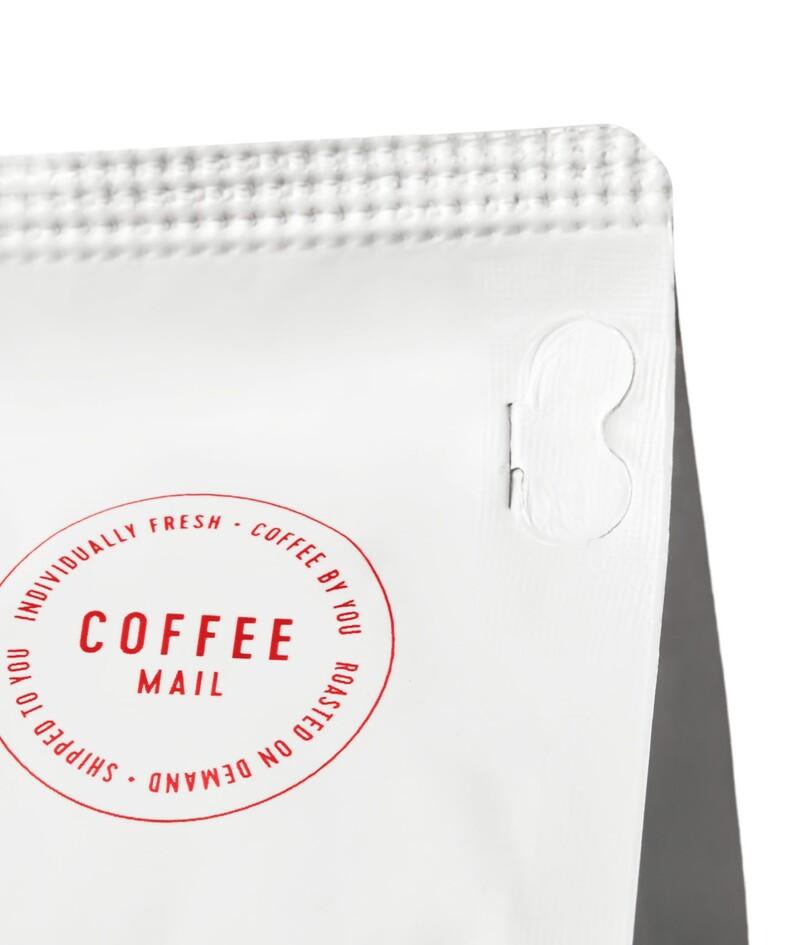 Solo roast coffee branding packaging design9